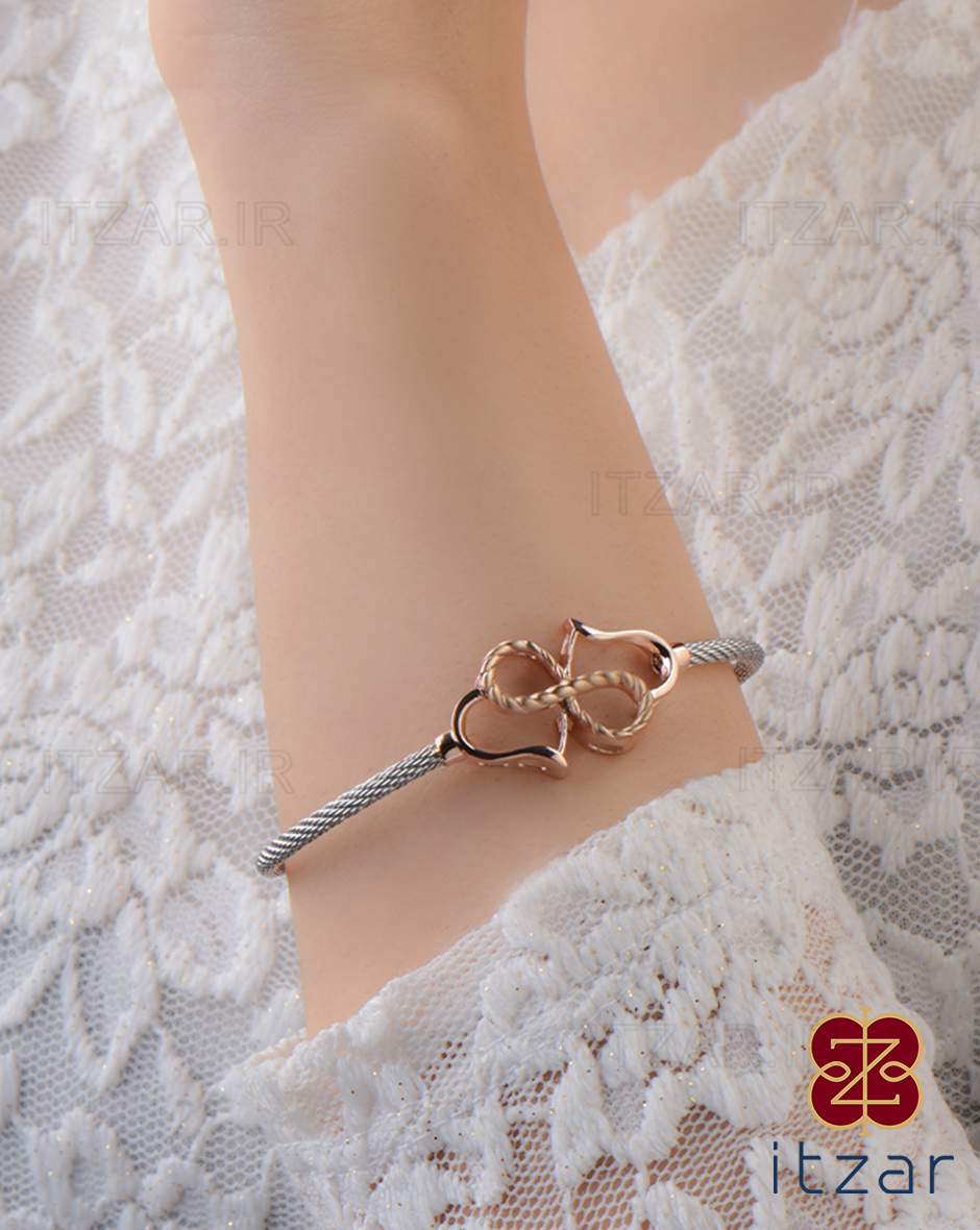 دستبند فرد مونیکا